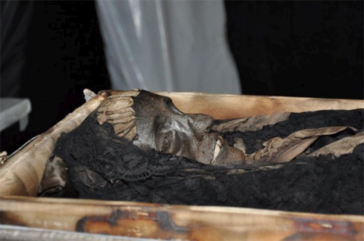 Corpo da segunda mulher do imperador foi embalsamado