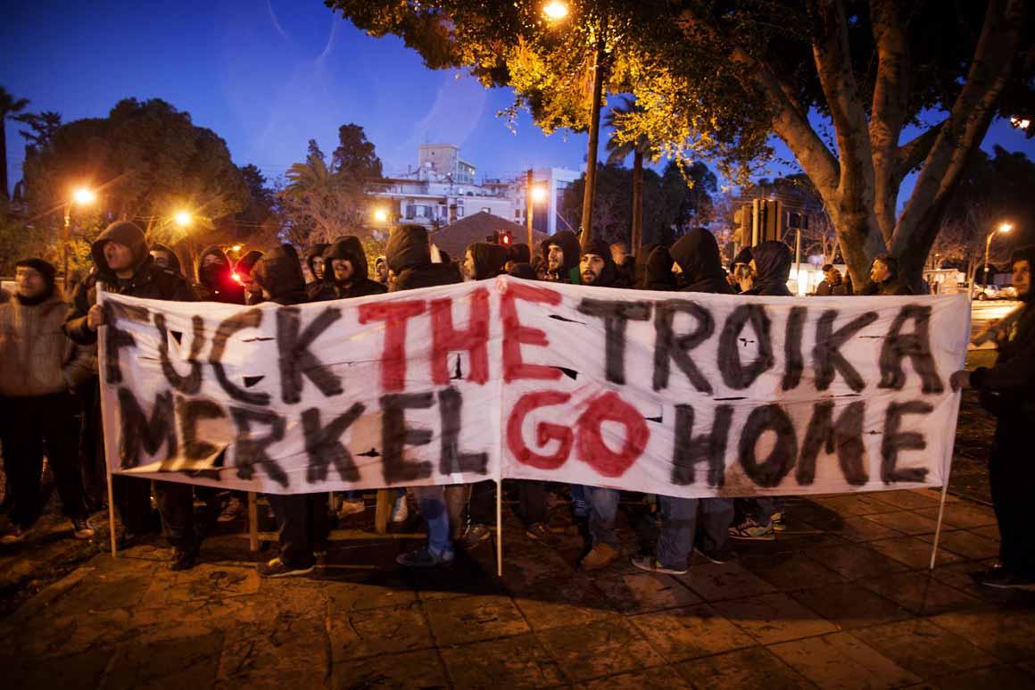 Exigências iniciais da troika foram rejeitadas pelo Parlamento