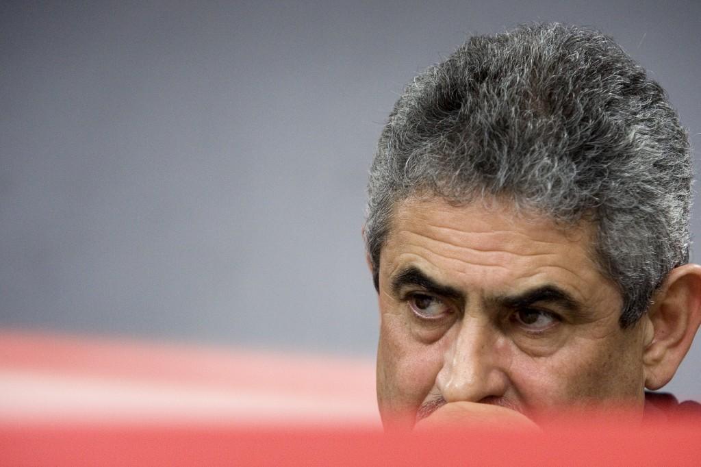 """Presidente do Benfica fala em """"faixas encomendadas"""""""
