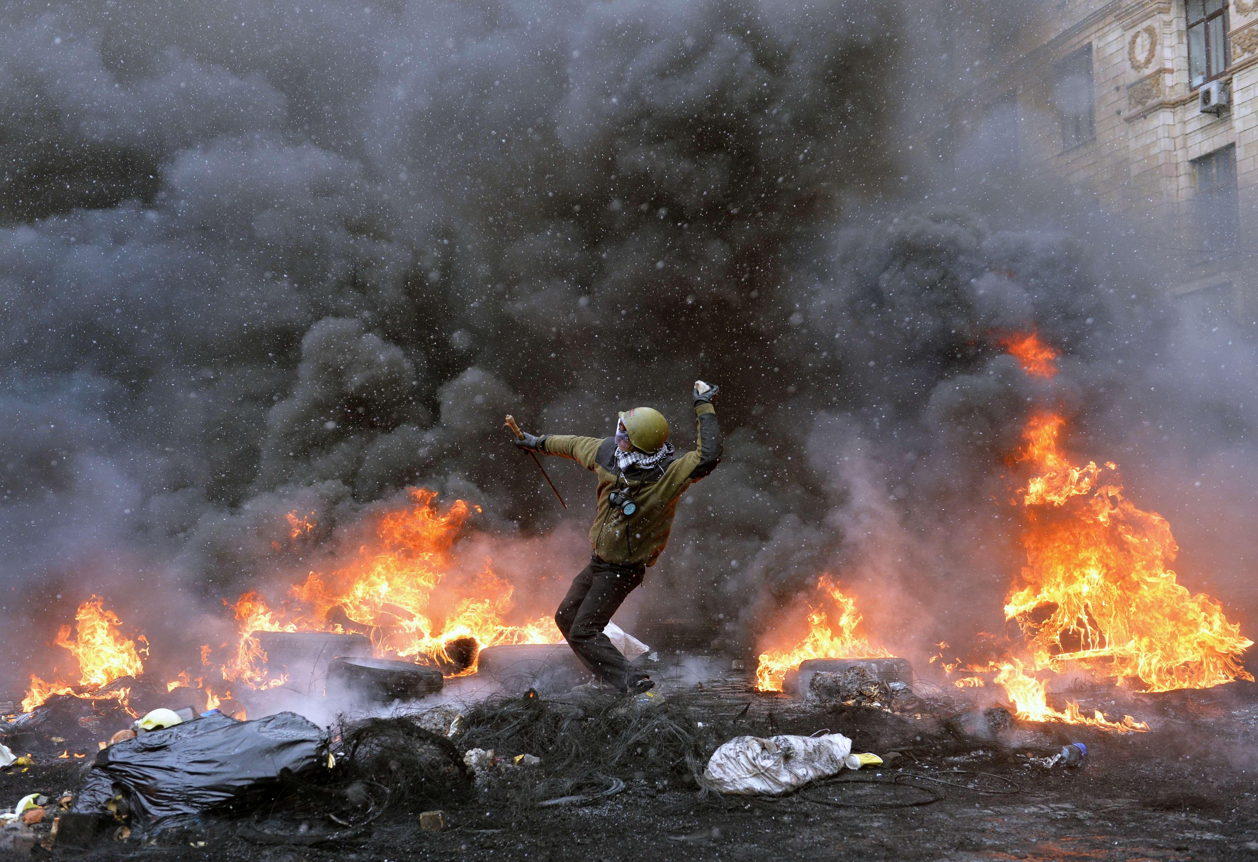 Espectaculares imágenes de los disturbios en Kiev 821790?tp=UH&db=IMAGENS