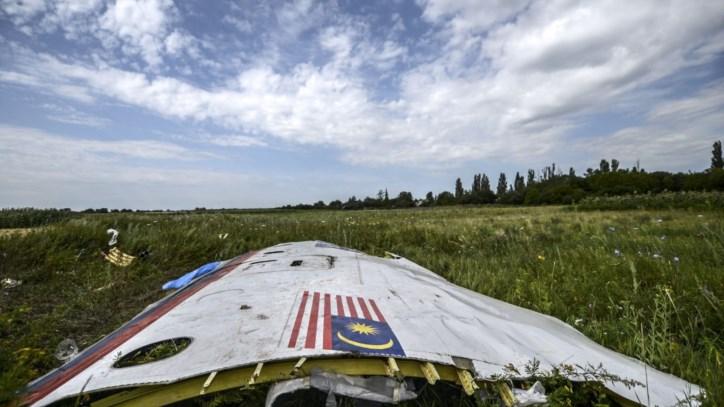 MH17 foi atingido por «numerosos objectos» que o perfuraram a «alta velocidade»